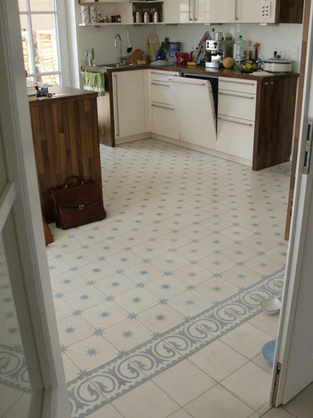 Küche Mit Zementfliesen Uni 41, Stern 7 Und Calma 5